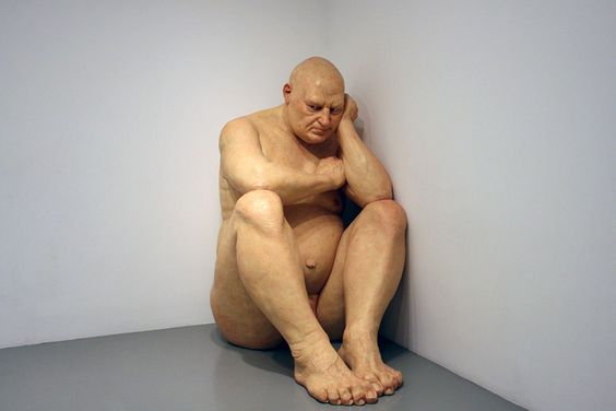 While many artists strive to glamorize, and portray our world to be better than it actually is, others simply find art in our ordinary lives and our simple bodies. Mueck is one of those artists, and is now well known for his sculptures where he portrays humans at key stages in the life cycle, from birth through middle age, to death.