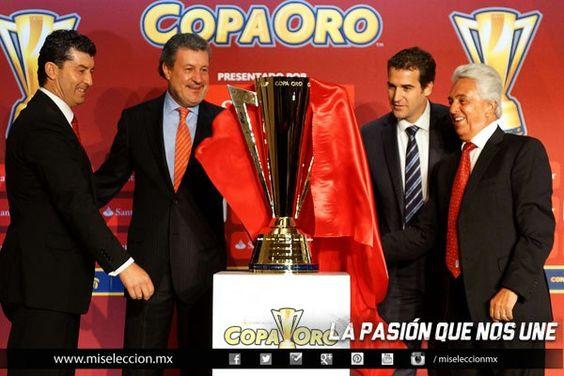 Presentación del Trofeo de la Copa Oro 2013