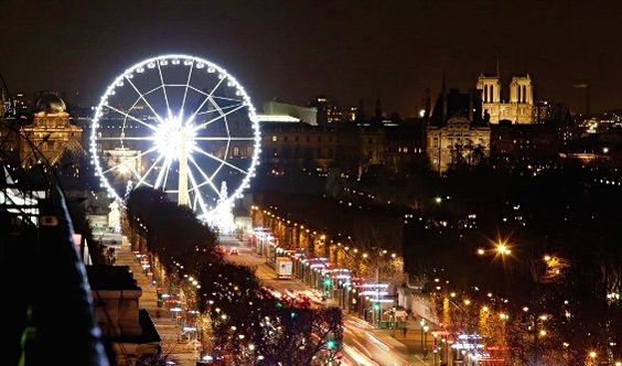 The Champs Elysée at Christmas.  Thank you Paris Info!