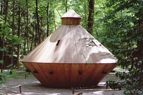 the tank in the Park Leonardo da Vinci (crédit photo: Léonard de Serres)
