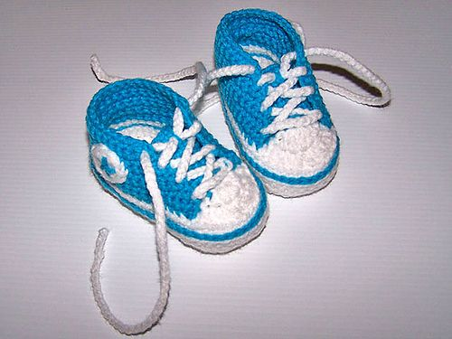 converse booties! I'm not done having babies yet just a heads up for all my knitters/crocheters lol (Lisa, Bridgett, Ashley!):