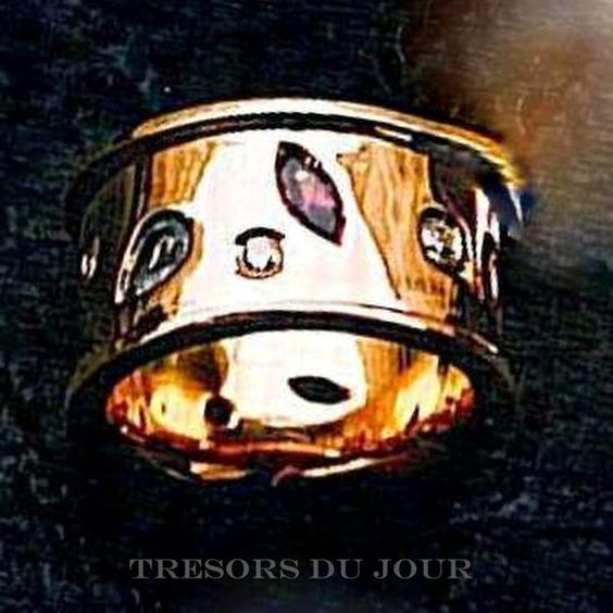 Unique WEDDING RING with Gemstones Custom Wedding by TresorsDuJour  #UniqueWeddingRing #GemstoneWeddingRing