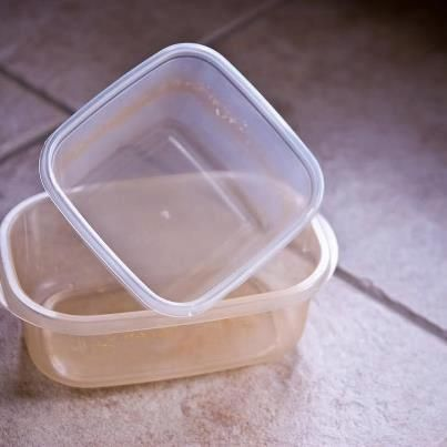 Clean stains off tupperware: Use baking soda while they are dry, just rub it off. It works like a charm. You can also do the same with your kitchen sink or tub. While it is slightly abrasive, it still retains the shine once rinsed.