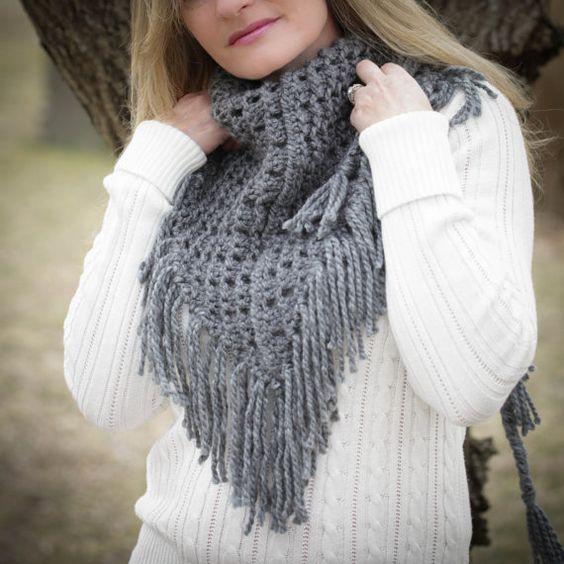 Loom Knitting Lace Pattern : Beautiful, Lace and Shawl on Pinterest