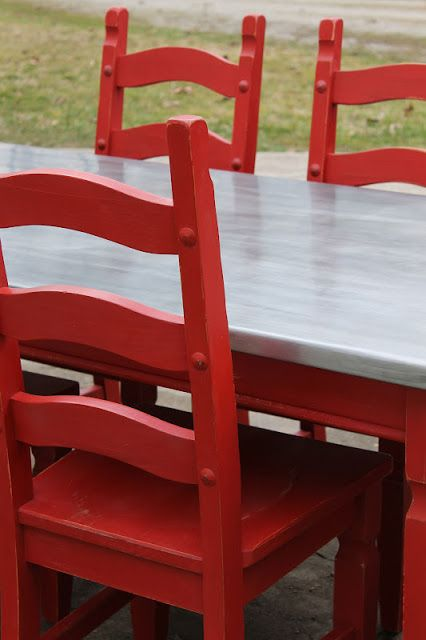 VanHook & Co.: Topping a table with zinc sheet metal  ¡Buena idea para el mostrador de la cocina!