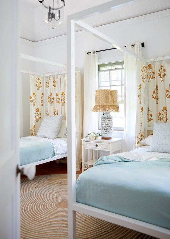 A guest house beckons in Harbour Island, Bahamas