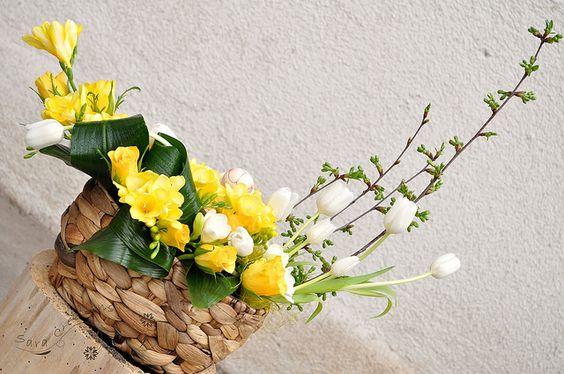 Spring floral arrangement - Aranjament floral de Florii   Flickr: partage de photos!