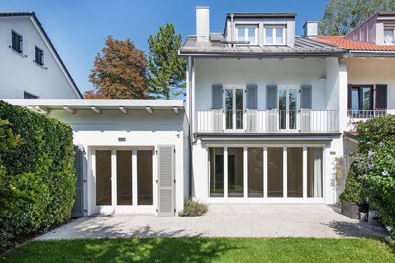 Bogenhausen/Herzogpark: Hervorragend renoviertes Stadthaus mit schönem Südgarten in ruhiger Toplage Details: http://www.riedel-immobilien.de/objekt/3121