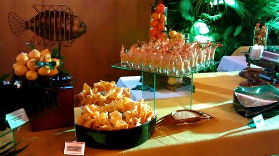 Nuestras bandejas de gran formato para el buffet de la fiesta del socio en el Club Campestre de Cali.