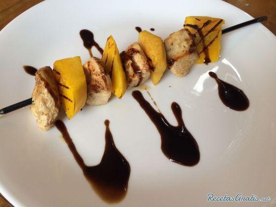 Brochetas de pollo con frutas #RecetasFáciles #RecetasdeCocina #Pollo #ChickenLovers #Brochetas #Durazno