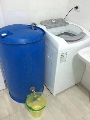 Contenedor de agua de lluvia reciclaje agua en el hogar - Contenedor de agua ...