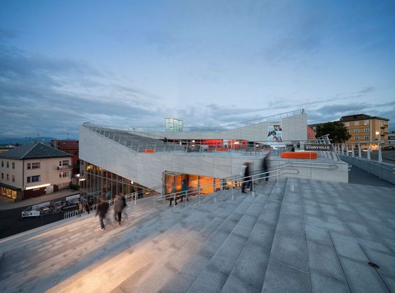 'Plassen' (meaning the square or the space in Norwegian) is formed like a giant paper cutting. The building literally grabs the city square, Gørvellplassen. ...