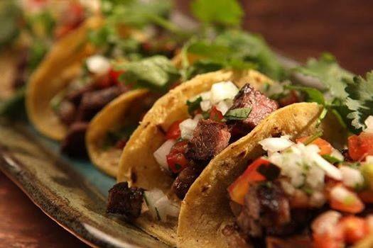 Tips Emiliano te menciona: Los tacos son parte de nuestra cultura, su rico e inigualable sabor, los han hecho famosos al rededor del mundo! Más que una comida típica, son toda una tradición mexicana! Ven, tenemos los mejores!