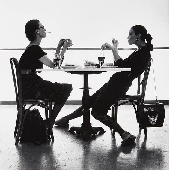 Dorian Leigh and Evelyn Tripp by Irving Penn, New York, 1950.