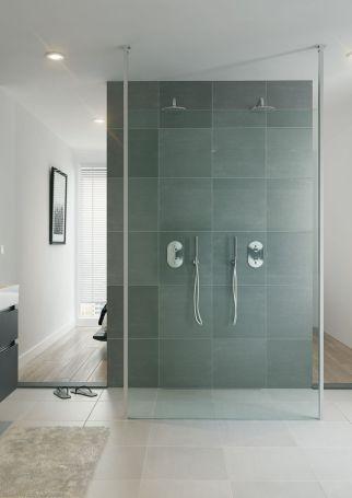 Bruynzeel Lector vrijstaande wand  // douche douchecabine badkamer sanitair // bathroom shower enclosure walk in // salle de bain espace douche