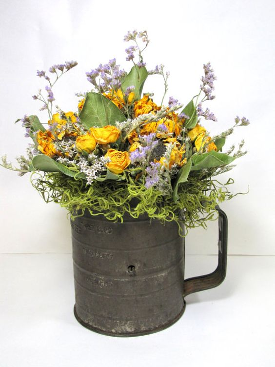 A well flower and kitchens on pinterest for Kitchen arrangements photos