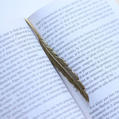 Marque-page plume d'aigle royal. / Golden eagle bookmark.