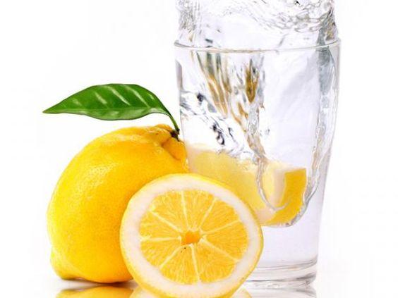 """Die Frage """"Wie kommt das Aroma ins Wasser?"""" wird heute von unserer Getränkeprüferin beantwortet. Klicken Sie hier!"""