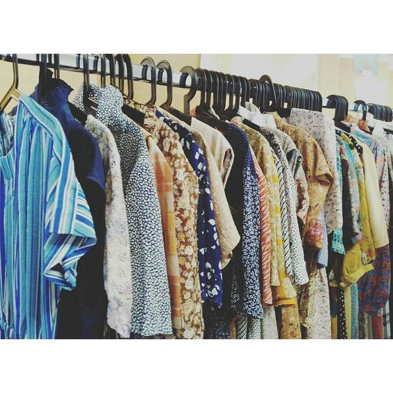 Mañana de compras   #vestidos #vintage #susisweetdress #laindustrial #clothes #dresses #retro #mercadillo #market #malasaña #madrid by teodora_dreams