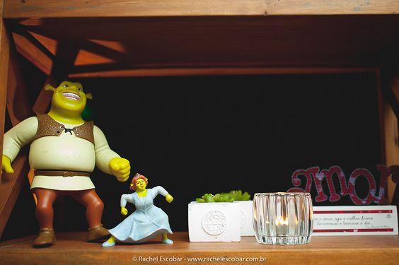 Decoração de Para Sempre Assessoria e   Cerimonial.   O casamento de Ingrid e Erickison foi   publicado no Euamocasamento.com, e as   fotos são de Rachel Escobar.   #euamocasamento #NoivasRio   #Casabemcomvocê