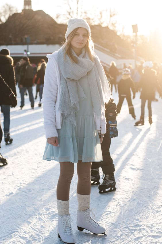 Winter Ice Skating Outfit: Snow Style Fleece Jacket white blue