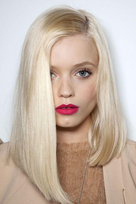 Cortes de cabello para mujer con pelo liso y platinado