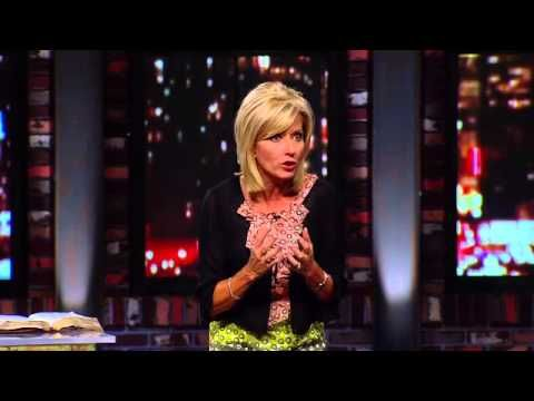 James: Mercy Triumphs -Leader Guide: Beth Moore ...