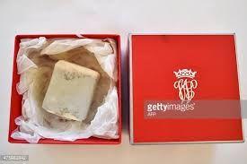 """Résultat de recherche d'images pour """"royal wedding cake"""""""