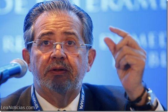 Director del diario El Nacional: otro perseguido por Nicolás Maduro - http://www.leanoticias.com/2014/06/10/director-del-diario-el-nacional-otro-perseguido-por-nicolas-maduro/