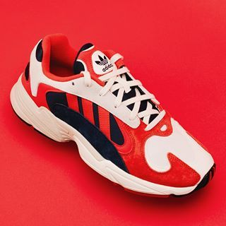 Aceptado Betsy Trotwood Aviación  The latest adidas sneaker to ride the dad-runner wave is the Yung-1. The  Yung-1 is a revamped version of the Falcon Dorf from 1997. | Tenis