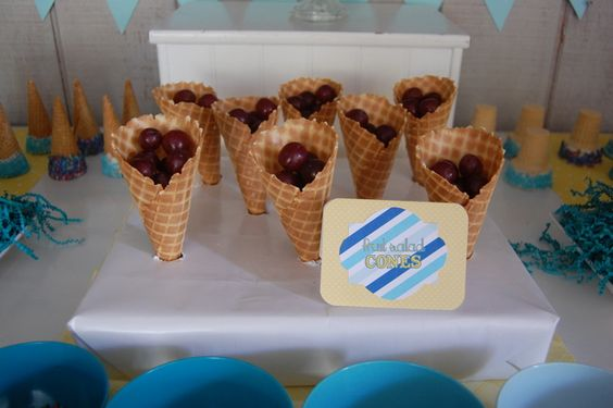 ice cream / blue ombre Birthday Party Ideas | Photo 1 of 24 | Catch My Party