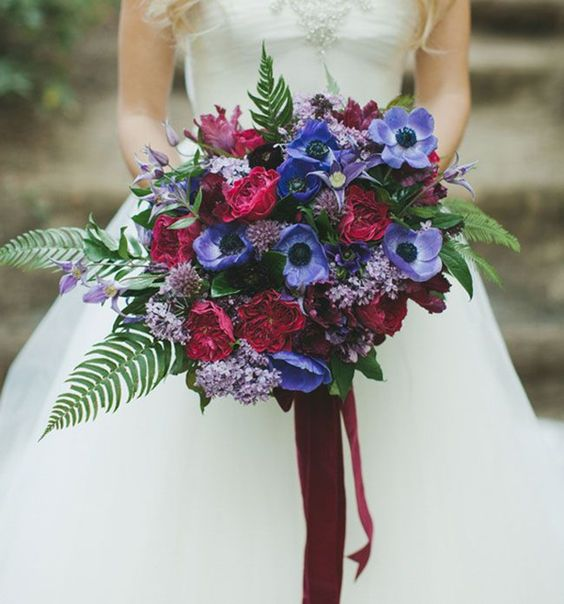 26 Most Gorgeous Jewel-toned Wedding Bouquets. I spy plums, royal blues, and soft reds to round out the Winter season. In 2016, the popular wedding bouquet styles will include more rich colors and vibrant hues. |