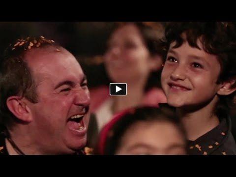 Cheetos sorprende en un cine - YouTube