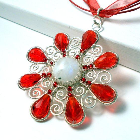 Pendentif fleur rouge, moontone pendentif, pendentif en pierre de lune arc-en-ciel de fleur, pendentif printemps, parfait cadeau pour elle, pendnat enveloppé de fil