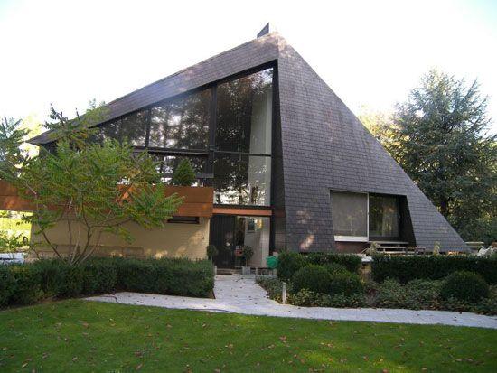 1970s midcentury five bedroom house in Hertsberge West Flanders