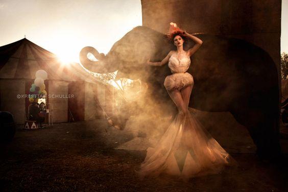 Ella con el elefante