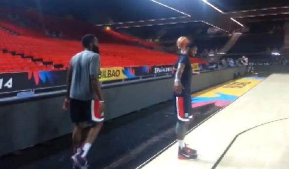 Bailes, triples... El curioso 'pique' de James Harden y Kyrie Irving en el entrenamiento de USA - @KIAenZona #baloncesto #basket #basketbol #basquetbol #kiaenzona #equipo #deportes #pasion #competitividad #recuperacion #lucha #esfuerzo #sacrificio #honor #amigos #sentimiento #amor #pelota #cancha #publico #aficion #pasion #vida #estadisticas #basketfem #nba