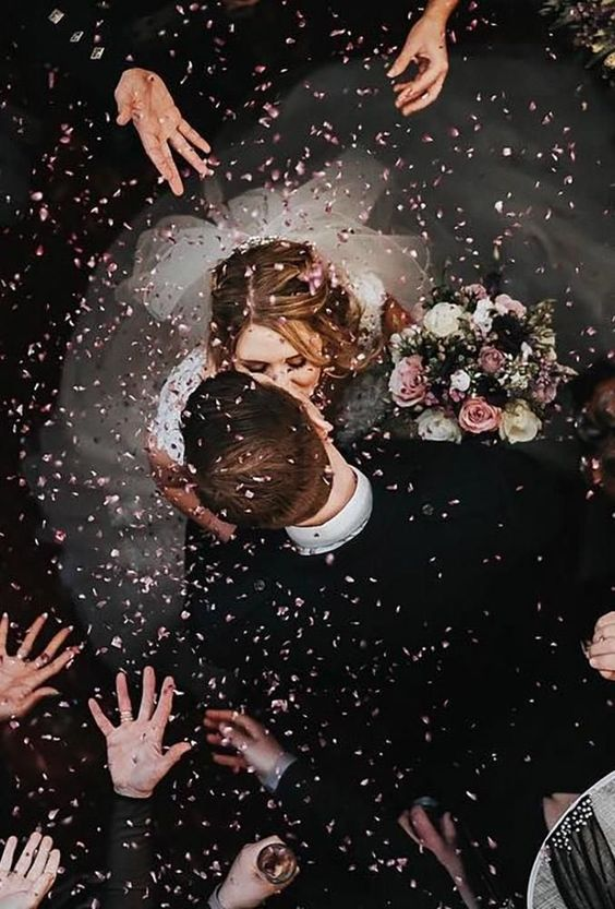 24 Creative Wedding Photo Ideas & Poses -   - #creative #DiamondEngagementRings #EngagementPhotos #EngagementRings #ideas #photo #poses #wedding #WeddingPhotos