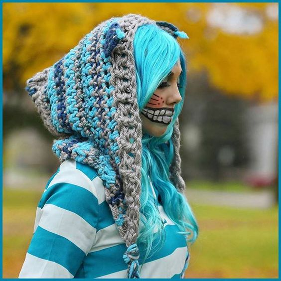 Since starting my blog, I have never been more inundated with requests for a pattern than I was with this cat hoodie! I have had hundreds of requests to make this project and I HAVE DELIVERED! I have heard your plea and here it is!!! Hawt off the hook and ready for my YARNutopians! Happy Hookin' everybody! (Be sure to Hashtag #YARNutopia in your photos here on Instagram so I can see them!) Link to the blog is in the bio!! #crochet #crocheted #yarn #imadethis #fancy #fashion #fashionblogger…