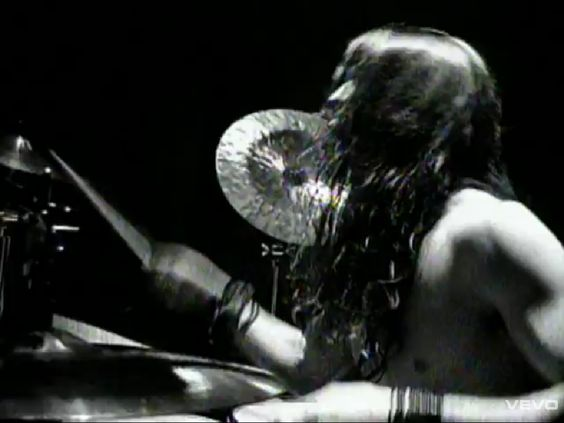 Sean Kinney, Alice In Chains. Great laid-back groove.