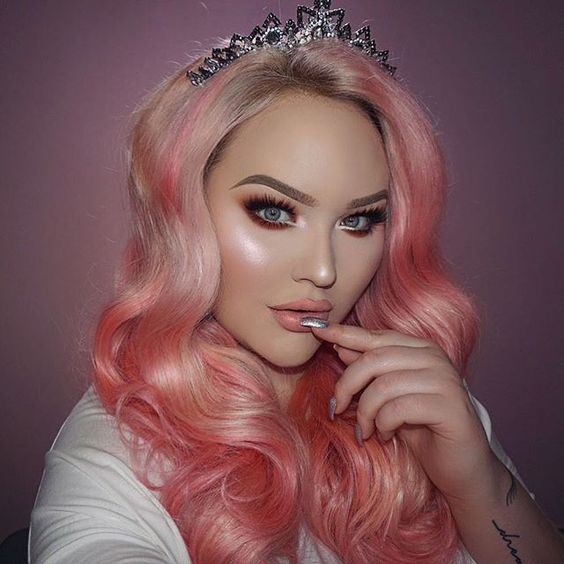 """Cotton candy REALNESS 👅🎥📸 NEW video up on my channel ➡️ link in bio! I'm wearing: ___ FACE a. @ofracosmetics Absolute Cover Foundation + @toofaced Born This Way Foundation b. @maccosmetics """"Spellbinder"""" Blush c. @morphebrushes Pressed Pigment """"Champagne Nights"""" for that glow __ BROWS a. @anastasiabeverlyhills Brow Wiz """"Taupe"""" b. @maccosmetics Paint Pot """"Tailor Grey"""" c. #maccosmetics False Lashes Maximizer __ EYES a. @morphebrushes 35O-M Eyeshadow Palette ⋆ use code NIKKIE to save money…"""