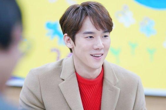 "3 Ways Yoo Yeon Seok Has Captured Hearts On ""Coffee Friends"""