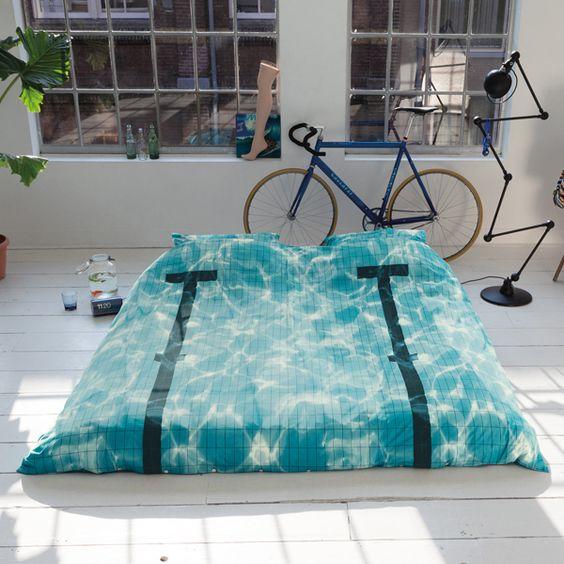 Swimmingpool - The ICONISTvon Snurk