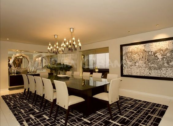 Sala moderna elegante y lujosa con amplio comedor video for Adornos para living comedor
