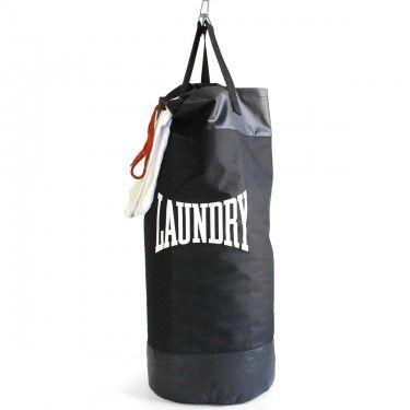 Ce sac de linge sale un petit peu particulier se transforme en véritable Punching Ball lorsqu'il est rempli.Parfait pour un cadeau homme.