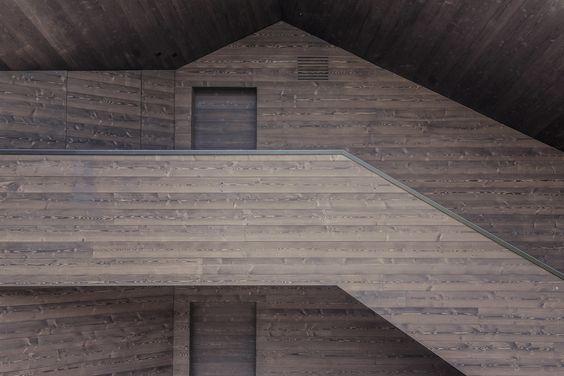 Regionale Dynamik - Wohnhaus in den Dolomiten