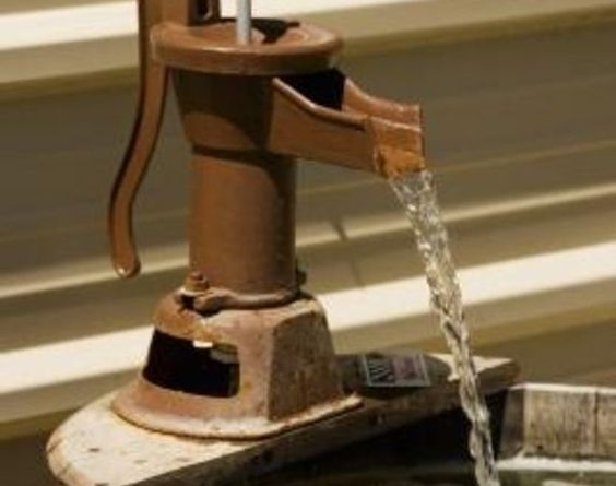 Diy Bucket Faucet Fountain Faucets Buckets And Diy
