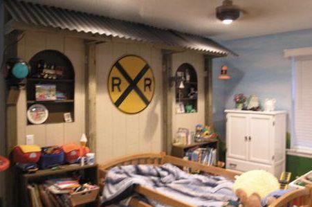 train inspired bedroom