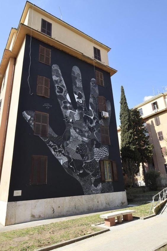 Street art a Tor Marancia: 20 artisti dipingono le facciate delle case popolari del quartiere romano (FOTO)