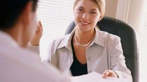 Job interviews is useful not only to assess your skills, but also behavior. Many things have to be prepared for the decisive moment is running smoothly. One of them is by knowing the body language that should be avoided.